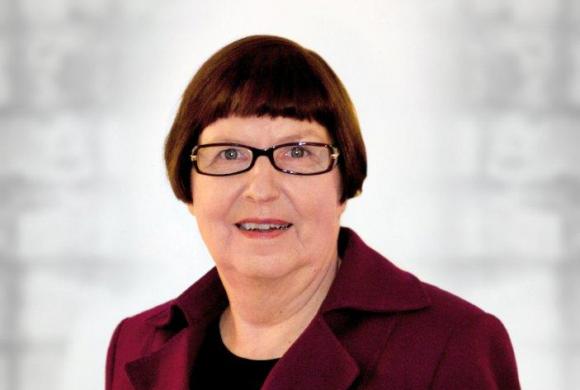 Haastattelussa Tuulikki Petäjäniemi: Työhyvinvointi, luovuus ja tuottavuus kulkevat käsi kädessä