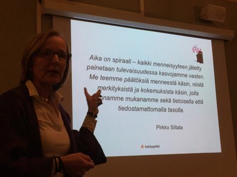 Johtajan valta ja pelko a la Jaana Laukkarinen