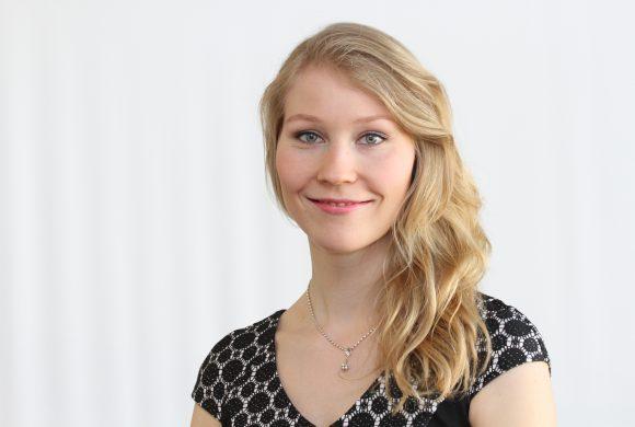 Huhtikuun jäsenillassa Carina Geber-Teir ja Sonja Heikkilä kertoivat OP:n matkasta uuden ajan monialaiseksi palveluyritykseksi
